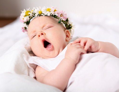 نخوابیدن نوزاد
